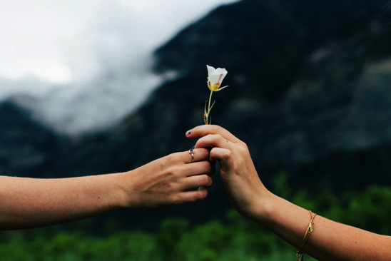 70 Simple Random Acts of Kindness You Can Do Every Day -